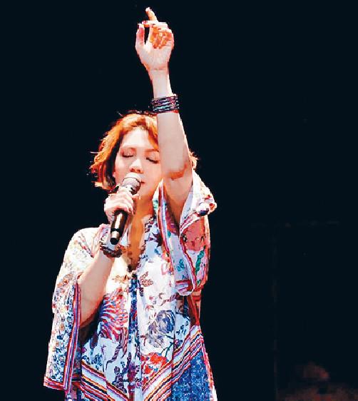■陳潔儀曾做過聲帶手術,不過依家完全康復,仲開過多場演唱會。