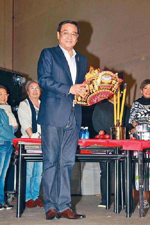 ■金像獎主席爾冬陞帶領一眾嘉賓主持,出席拜神儀式。