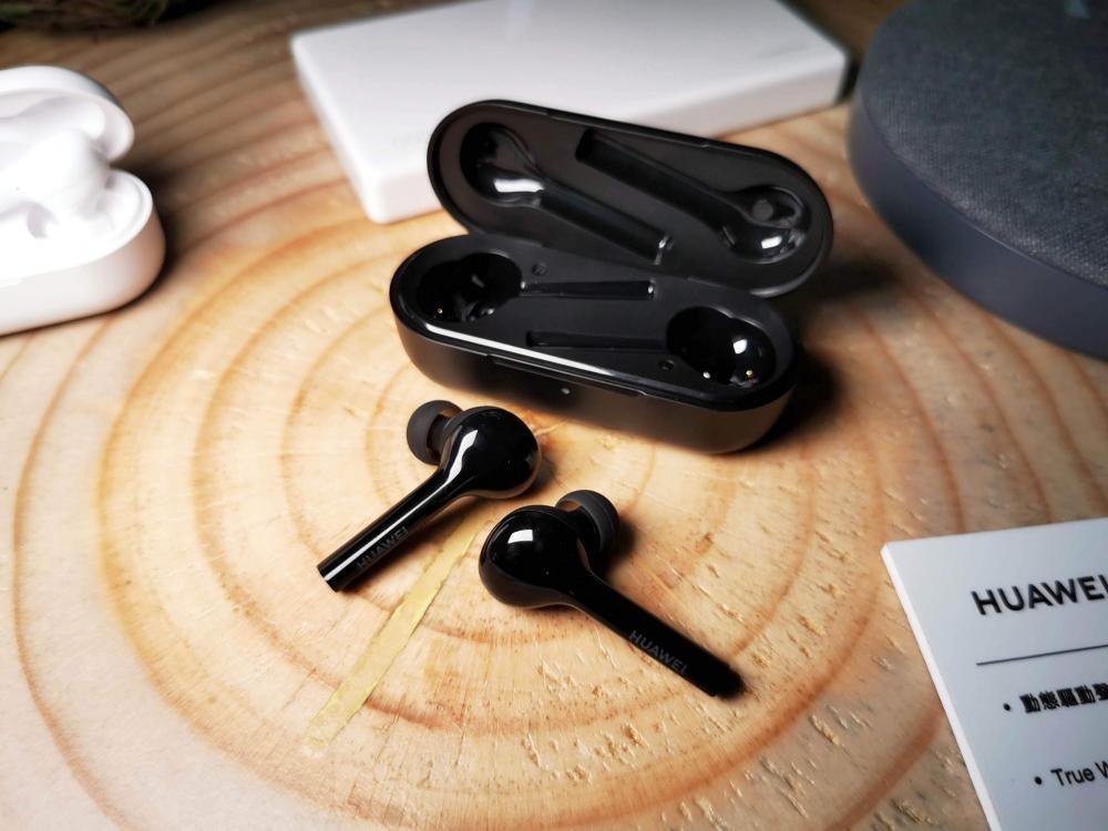 真無綫耳筒FreeBuds lite內置紅外綫Senor感應佩戴狀態。售價:$588