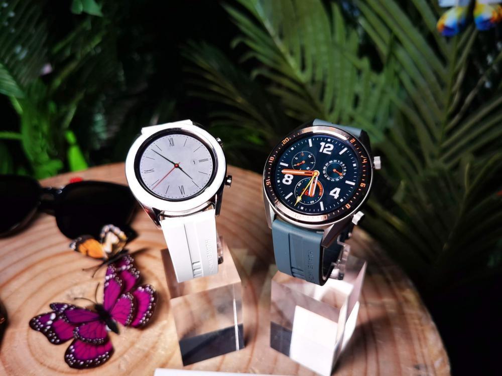HUAWEI Watch GT優雅版(左)及活力版(右)皆為全新設計。售價:各$1,388