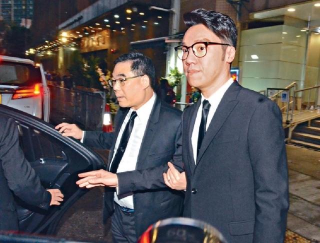 ■王賢誌和楊潤雄到場致意。