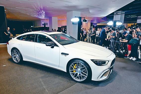 四門版AMG GT分開63S及53兩款,售價分別為$2,998,000起及$1,998,000起。