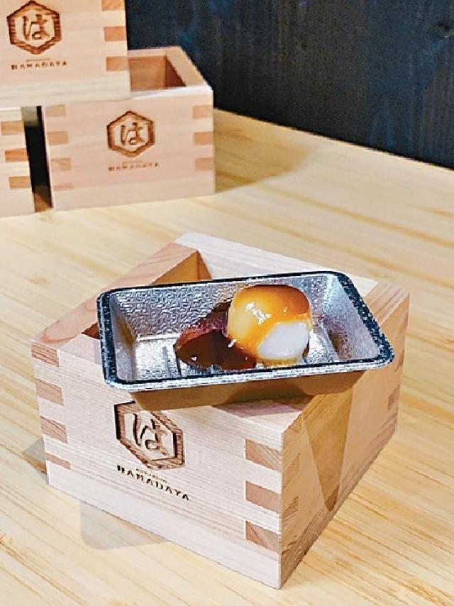 ■糯米小糰子(500日圓/約35港元)口感軟糯,配以味醂醬油提味,風味迷人。