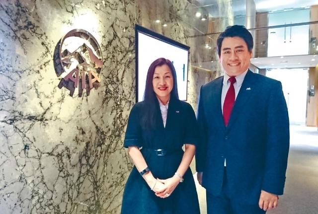 ■友邦香港及澳門企業業務、策略及財富管理總經理謝佩蘭(左)。