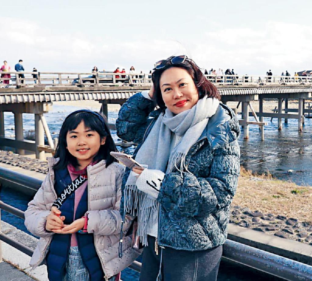 ■林煒珊早前與10歲女兒到日本京都旅遊。