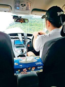 Uber司機榮哥表示,網約車司機較少安裝車Cam拍攝乘客。
