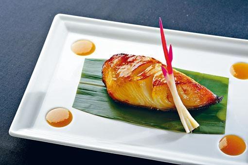 ●香港洲際酒店的日本餐廳NOBU大廚Rhys Cattermoul帶來的招牌鱈魚西京燒,味甜嫩滑,口感帶脆,一吃難忘。