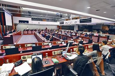 ■法案委員會上周舉行首次會議達兩小時,未能選出正副主席。