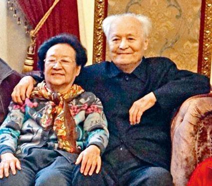 李銳遺孀張玉珍指控李南央,擅自處理李銳日記等文稿。