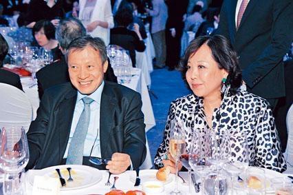 郭炳湘在英國結識第二任太太李天穎。