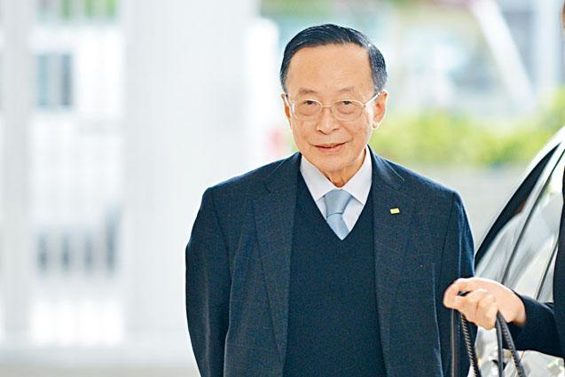 律政司司長鄭若驊的丈夫潘樂陶,僭建罪成被罰兩萬元。