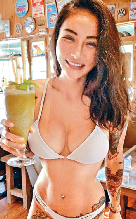 ■金剛的新女友Nana,經常大晒火辣身材。