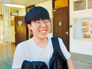 考生譚同學在卷二選答女性留學,認為題材較艱深。