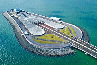 港珠澳大橋管理局最快今天為大橋東人工島旅遊及配套設施開發總體策劃及概念設計,啟動全球公開招標。