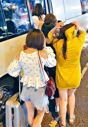 警方在油尖區掃黃,拘捕二十六名內地女子。