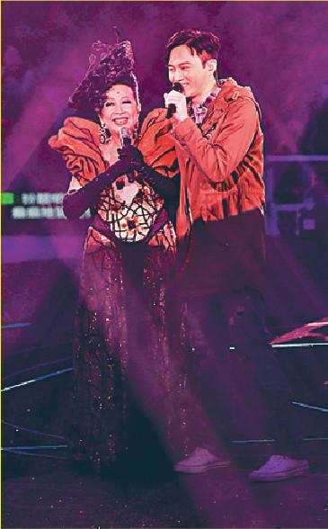 ■去年,張智霖為家燕姐香港演唱會做嘉賓好評如潮。