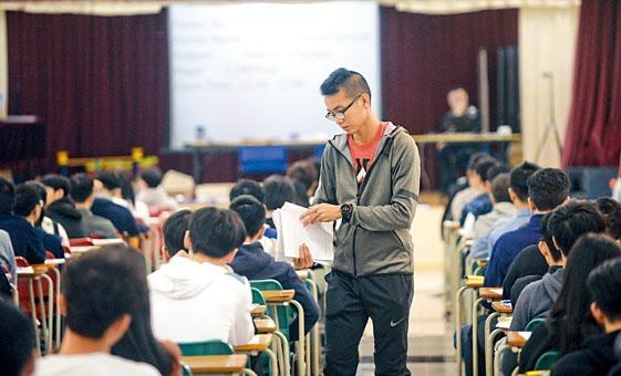 ■政府明年續為應考文憑試的學校考生代繳考試費,故加費最受影響的是一眾自修生。