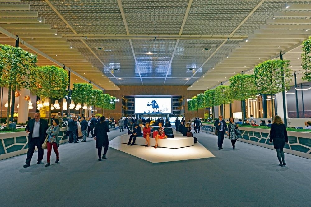 會場富有大自然氣息,幾家餐廳及傳媒中心呈開放式設計,空間感比上年大。