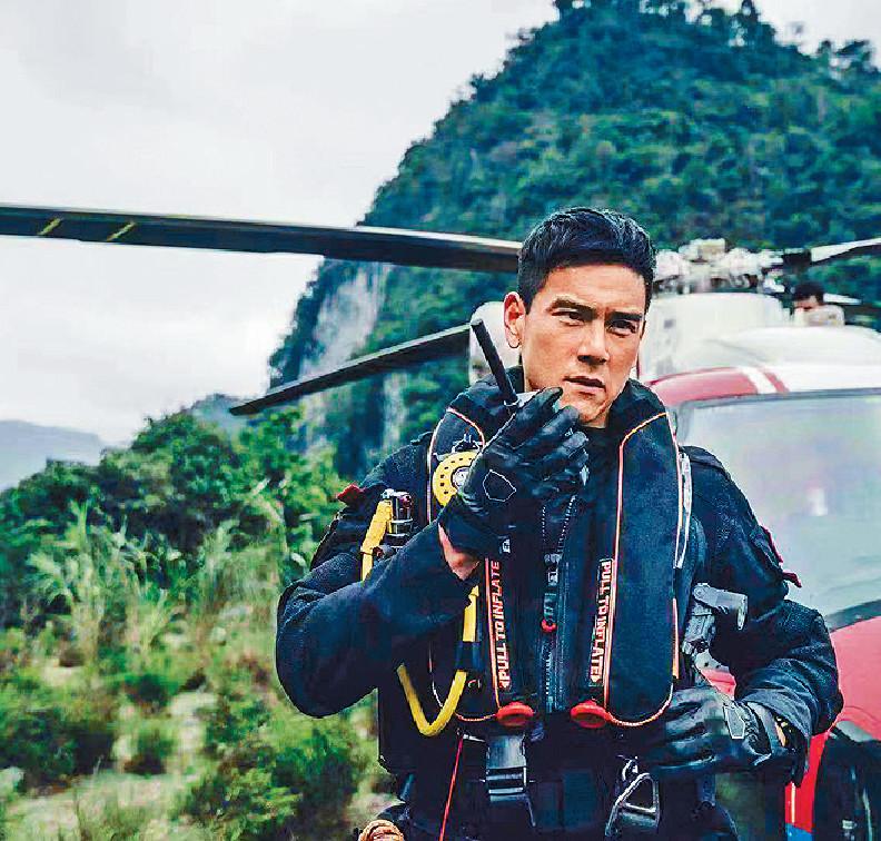 ■電影有大量戲份動用真正直升機進行拍攝。