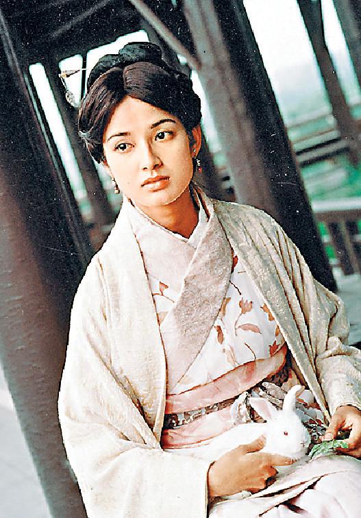 ■00年,《尋秦記》中飾演趙國公主趙倩。