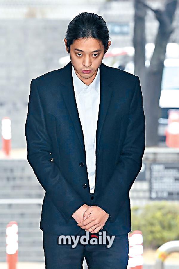 ■鄭俊英因涉及偷拍性愛片段並在群組散播,已在個多月前被捕。
