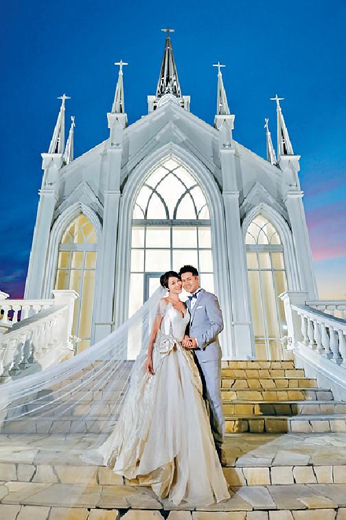 ■李璧琦與未來老公在沖繩拍攝婚照。