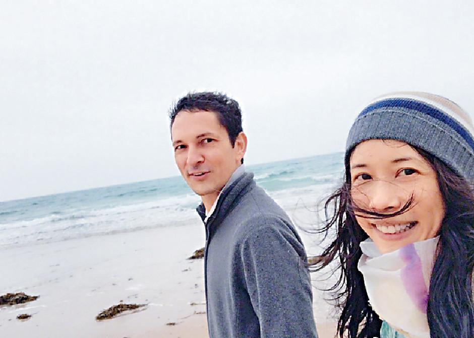 ■Karen同老公結婚8年,仍然好甜蜜。