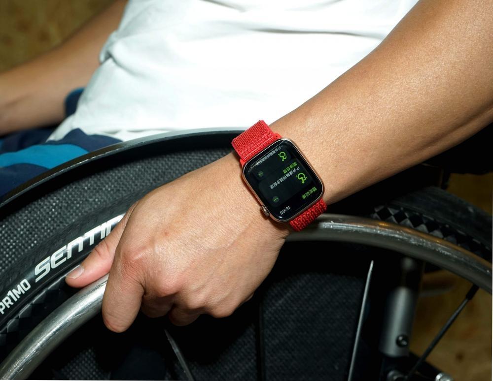 如今會戴着Apple Watch來記錄訓練數據。
