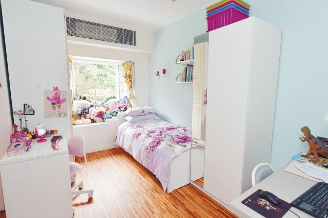 ■睡房家具靠牆擺放,實用度高。