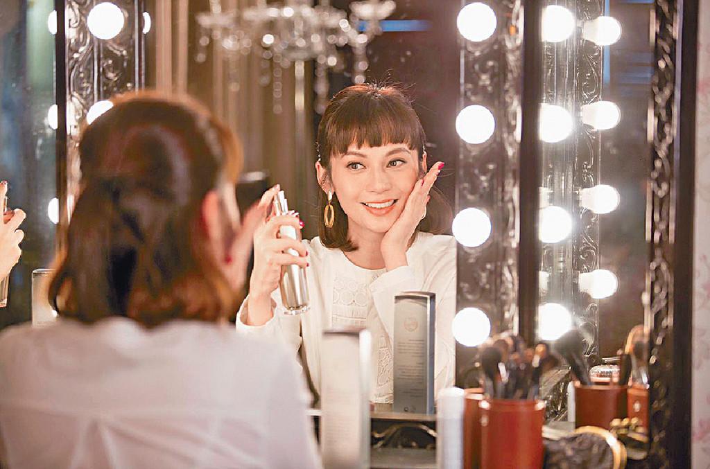 ■吳日言表示護膚心得是清潔要乾淨和勤敷面膜。