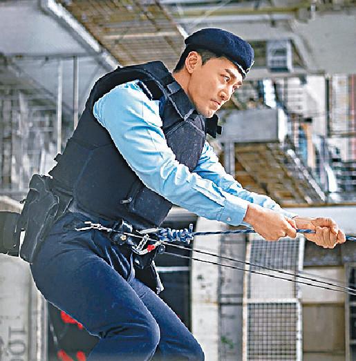 ■入行多年,林峯初次飾演穿著制服的警務人員。
