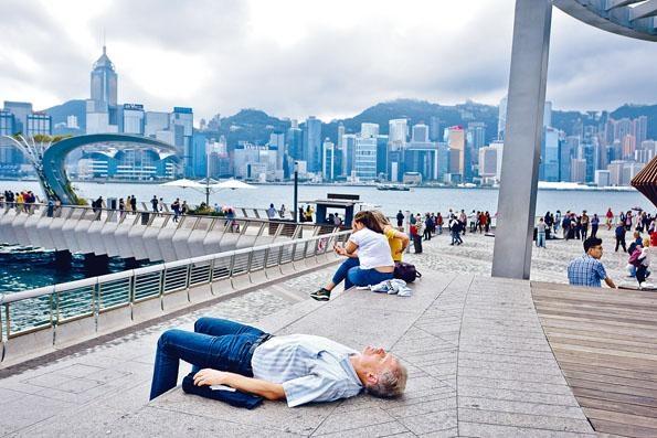 ■自中美開打貿易戰後,本港今年經濟受到不少挑戰。