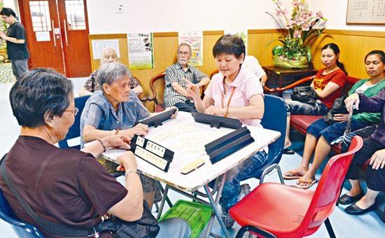■社署將於今年底完成更新安老服務統一評估機制,長者將不能同時輪候院舍及社區照顧服務。