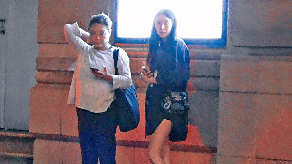 ■白衫嘅女友人係黃宗澤前經理人Becky,湊咗阿仔咁多年關係好好,仲幫對方睇實女友Rose。