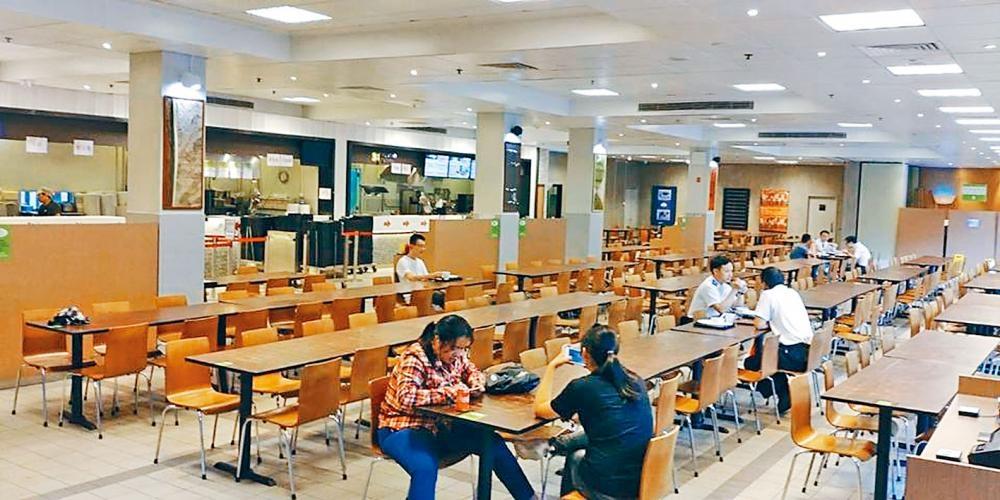 發生學生擲餐具爆粗斥罵職員的浸大學生飯堂。