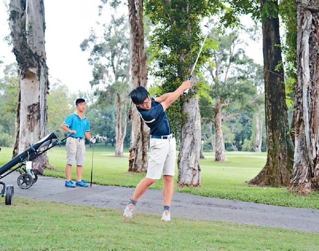 ■香港高爾夫球總會及香港哥爾夫球會主辦的第二屆中學校際賽,在剛過去周一在粉嶺高球場舉行。