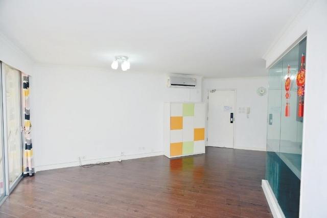 ■大廳面積闊落,易於放置大型家具。