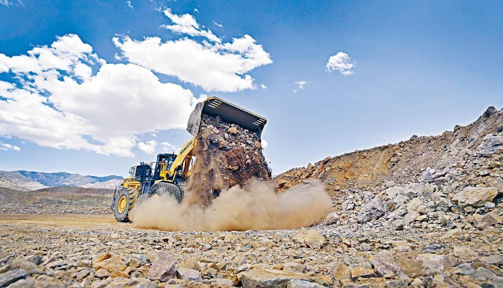 美国将加大稀土开发,确保供应不被切断。 图为加州一矿场。