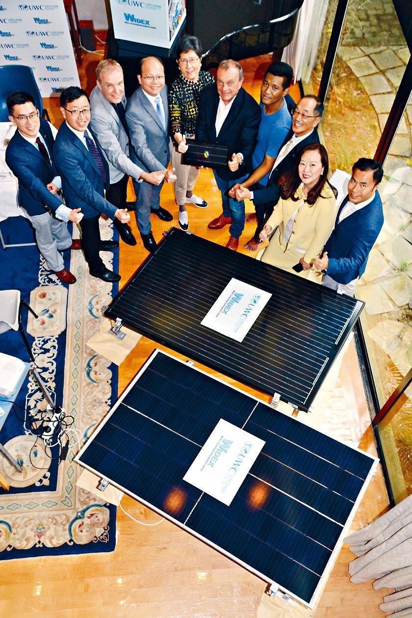 李寶椿聯合世界書院最快下周起在校內安裝逾千塊太陽能板,校董會主席湯啟康表示,「賣電」收益會悉數撥作獎助學金。