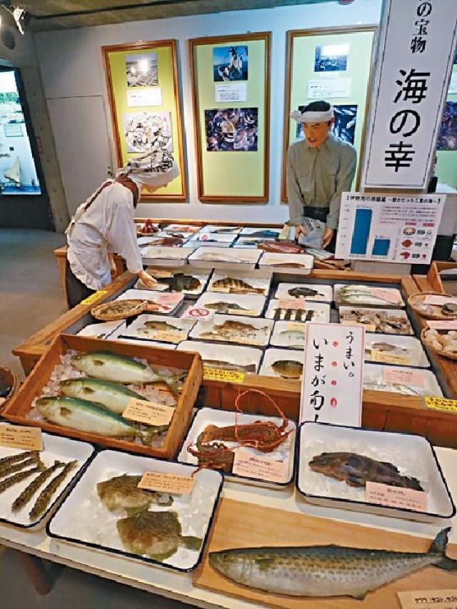 ■展覽製作認真,魚市場的布置栩栩如生。
