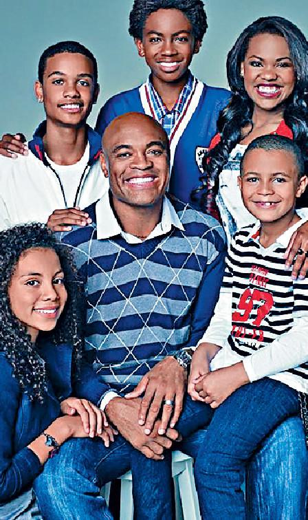 ■Silva育有3子2女,現實生活中係個好爸爸。