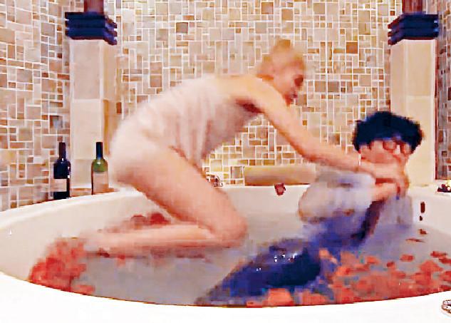 ■講述陸永和林秀怡打算在浴缸吞安眠藥企圖自殺。結果二人為爭安眠藥在浴缸中激戰,自殺劇情變咗搞笑場面。