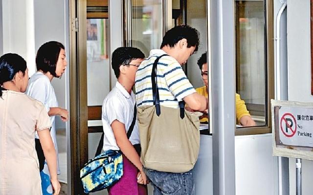 ■教育局建議於二○二○年度學年起,中學須提前公佈自行收生結果。