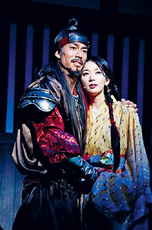 ■志玲跟丈夫AKIRA在11年合演日本舞台劇《赤壁~愛~》而種下情根。