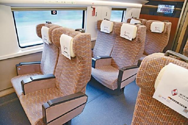 ■高鐵復興號車廂設備更完善。