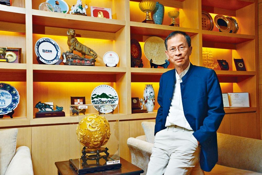 民建聯創黨主席兼立法會前主席曾鈺成認為,只有待條例通過後,事實證明香港的自由法治沒變,才可釋除公眾疑慮。