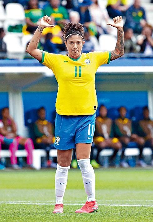 巴西女足前鋒姬絲汀安妮
