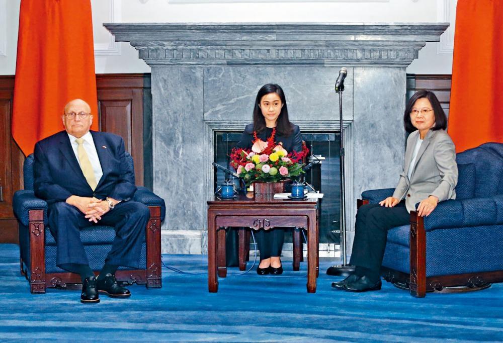 蔡英文接見美國前副國務卿阿米塔吉。
