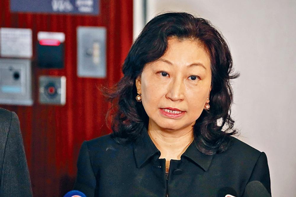 律政司司長鄭若驊再緊急約見法律界人士,就修例交流。