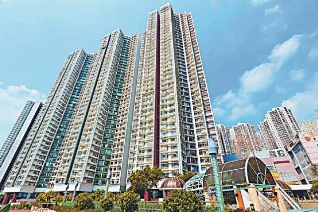 ■海怡半島兩房單位以1040萬易手,呎價17900元。